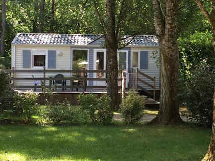 Camping De La Pélonie 3 étoiles à Saint Antoine D'Auberoche