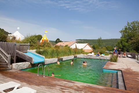 Camping Domaine Le Chanet 4 étoiles à Ornans