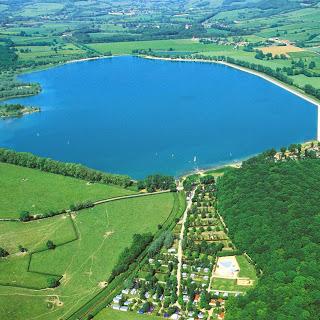 Camping Lac De Panthier 4 étoiles à Vandenesse-En-Auxois