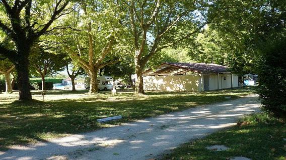 Camping Le Bois De Cornage 3 étoiles à Vizille