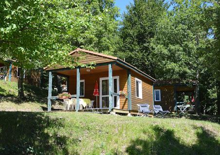 Camping Le Couspeau 4 étoiles à Le Poët-Célard