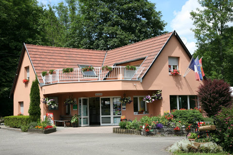 Camping Le Schlossberg 3 étoiles à Kruth