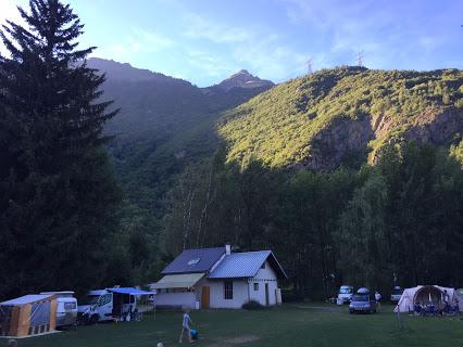 Camping Les Bouleaux 2 étoiles à Allemont