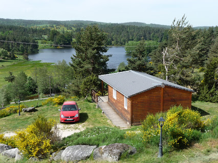 Camping Les Chalets Du Lac De Ganivet 2 étoiles à Ribennes