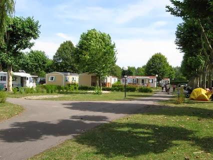 Camping  Les Confluents  3 étoiles à Migennes