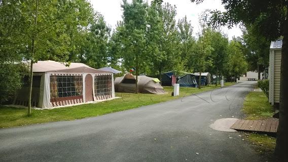 Camping Les Mizottes 4 étoiles à Saint Michel En L'Herm