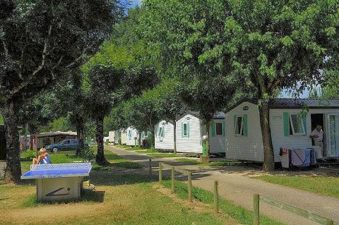 Camping Les Ondines 3 étoiles à Souillac
