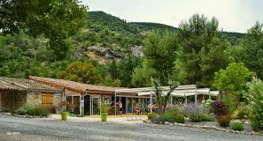 Camping Les Ramieres 4 étoiles à Curnier