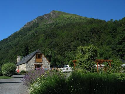 Camping Pyrenees Natura 4 étoiles à Estaing