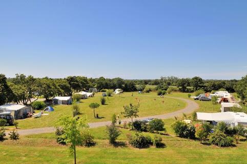 Camping Rcn – La Ferme Du Latois 4 étoiles à Coëx