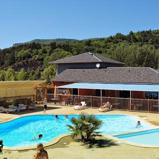 Camping Sarl La Dourbie 4 étoiles à St Jean Du Bruel