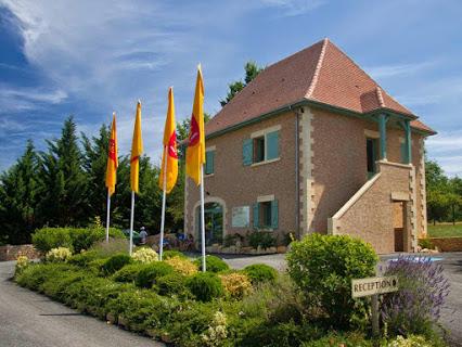 Camping Yelloh Village Lascaux Vacances 4 étoiles à Saint Amand De Coly