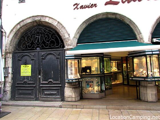 Immeuble villefranche sur sa ne monument historique villefranche sur sa ne 69400 pa00118095 - Office de tourisme villefranche sur saone ...