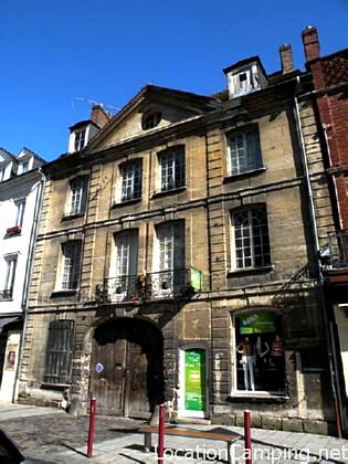 Maison beauvais monument historique beauvais 60155 pa60000002 - Plouneour trez office tourisme ...