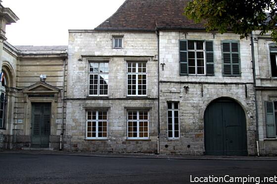 Maison canoniale arras monument historique arras 62000 pa00107980 - Office du tourisme chateaurenard ...