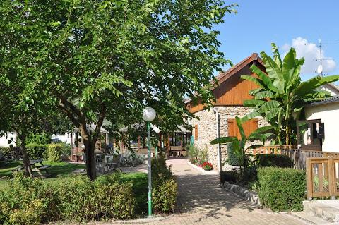 Camping Le Beau Village De Paris 3 étoiles à Villiers Sur Orge