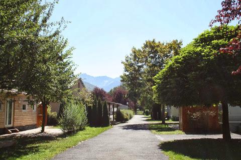 Camping Le Pyreneen 3 étoiles à Salles Et Pratviel