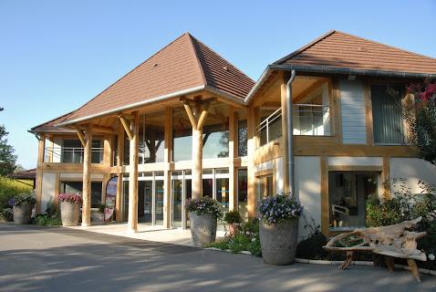 Camping Les Alicourts Resort 5 étoiles à Pierrefitte Sur Sauldre